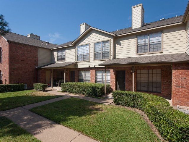 Summers Crossing Apartments Plano TX