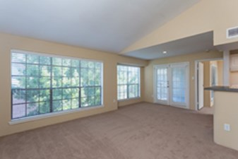 Living area at Listing #138238