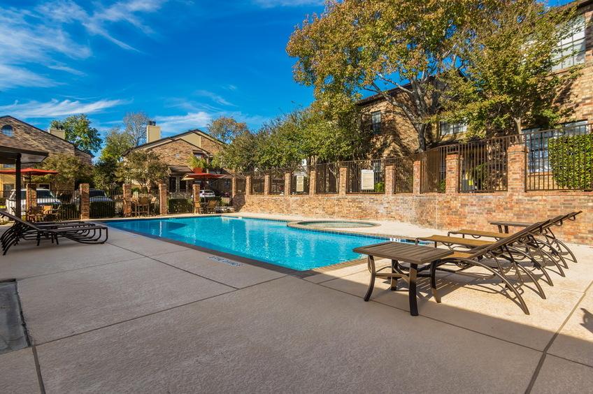 Pool at Listing #140533