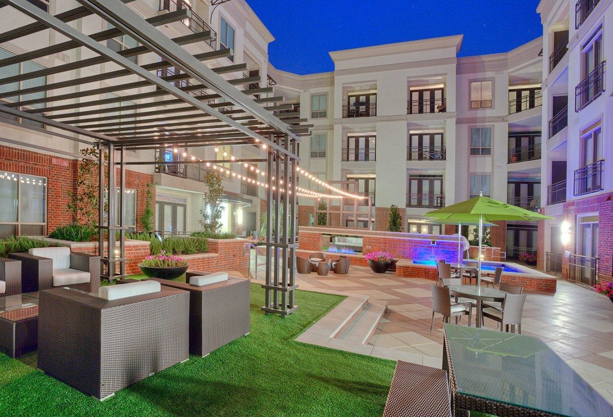 Courtyard at Listing #151484