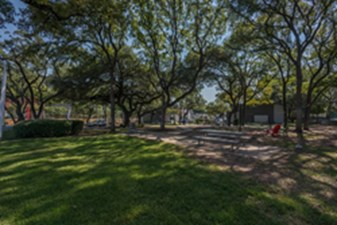 Picnic Area at Listing #140572