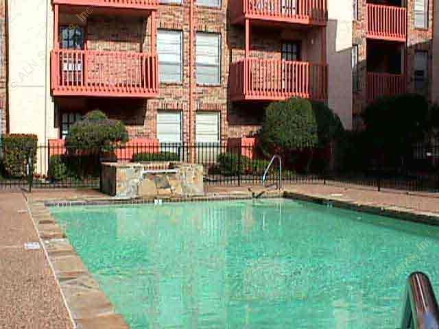 Courtyard Village ApartmentsDallasTX