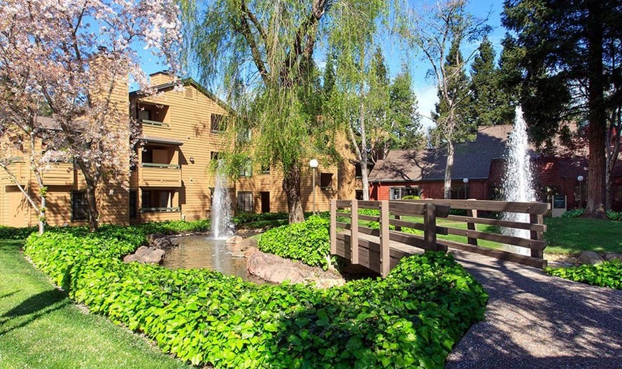 Shadow Creek Apartments