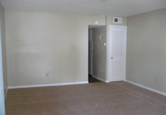 Bedroom at Listing #140450