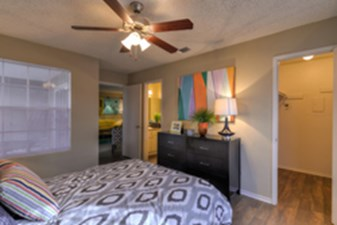 Bedroom at Listing #140994