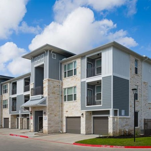 Sapphire Bay Apartments