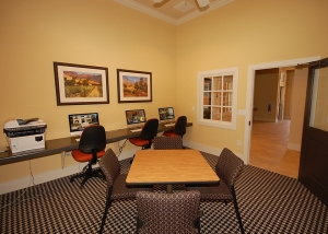 Business Center at Listing #140807