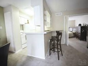 Dining at Listing #136477