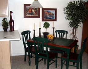 Dining at Listing #138099