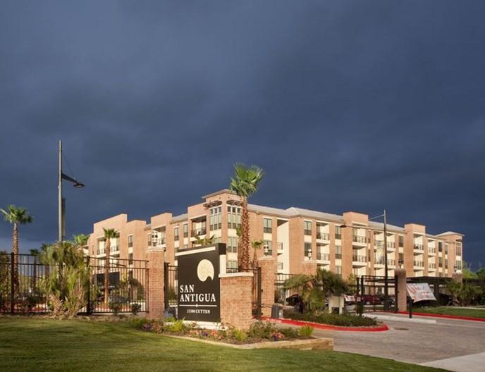 San Antigua Apartments