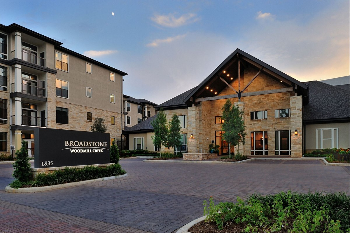 Broadstone Woodmill Creek Apartments The Woodlands TX
