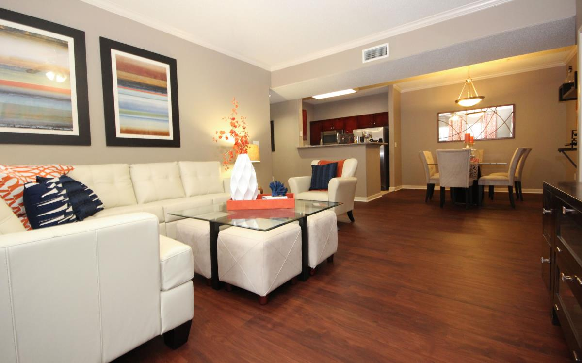 Living Area at Listing #144200