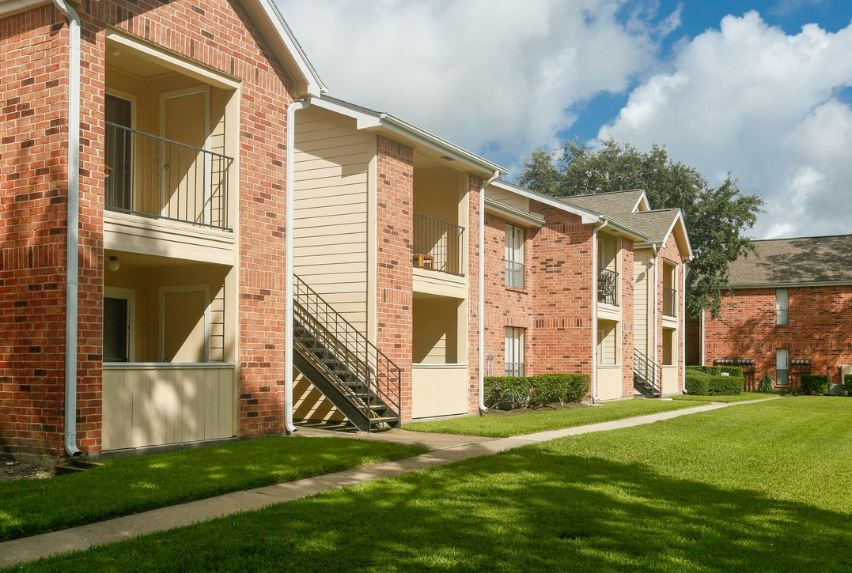Exterior at Listing #138362