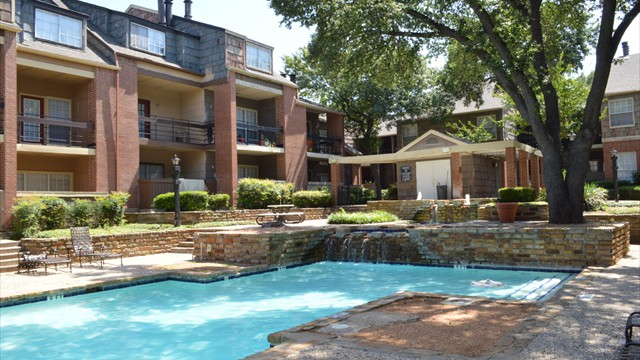 Pool at Listing #136452