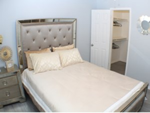 Bedroom at Listing #135859