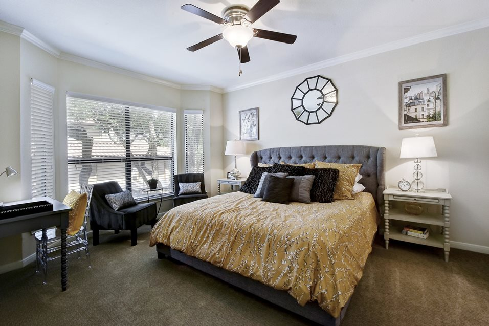 Bedroom at Listing #144228