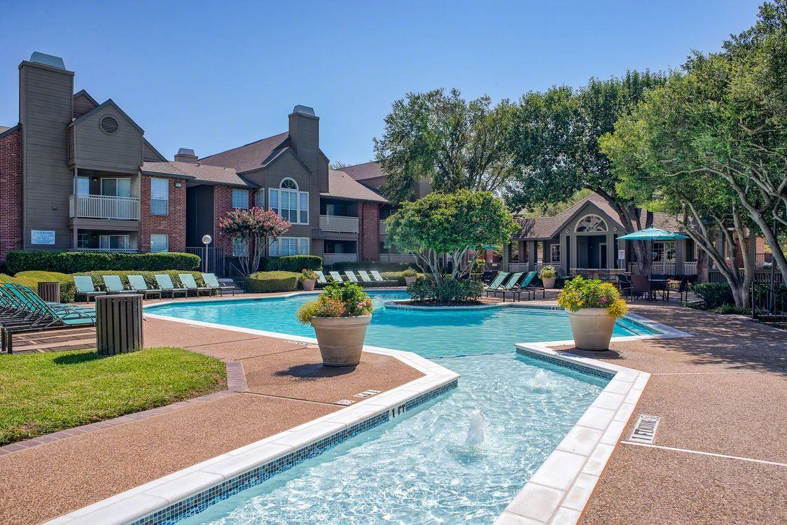 Pool at Listing #136910