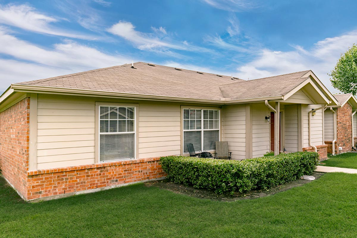 Exterior at Listing #138214