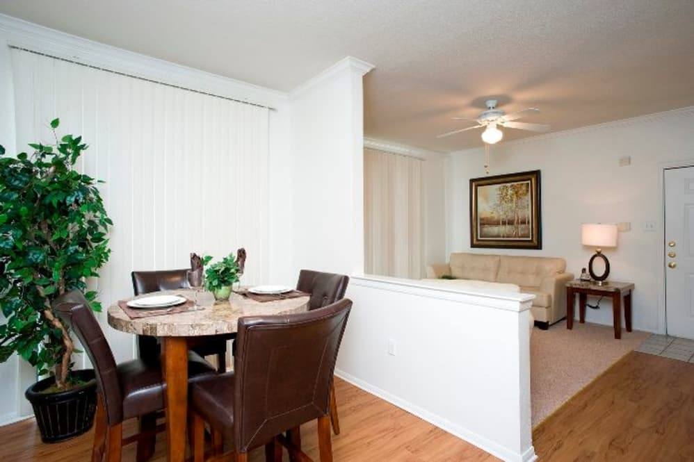 Dining at Listing #137655