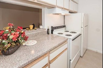 Kitchen at Listing #139387