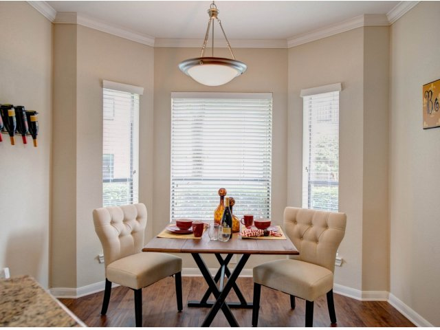 Dining at Listing #138686
