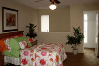 Bedroom at Listing #139873