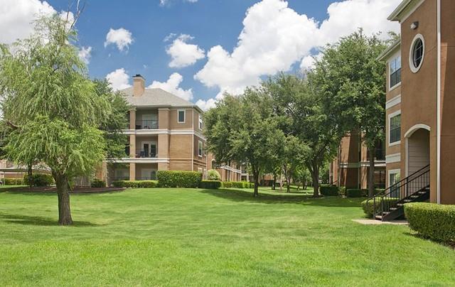 Parkway Place Apartments Dallas TX