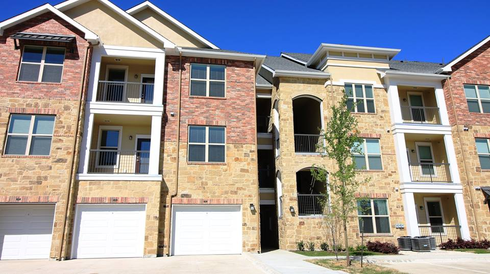 Exterior at Listing #287723
