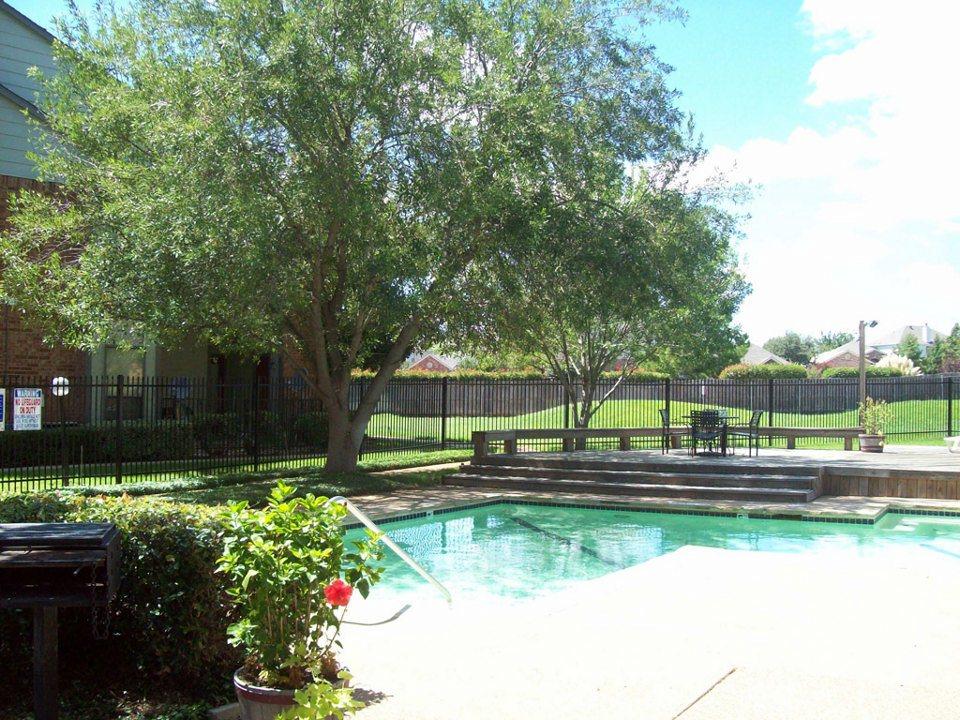 Pool at Listing #136929