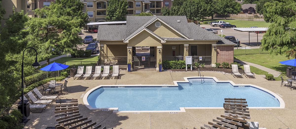 Pool at Listing #137637