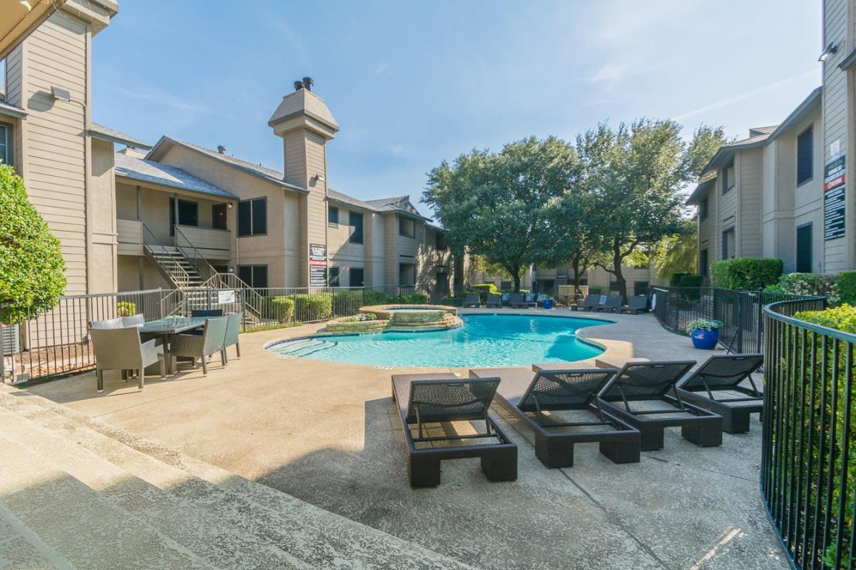 Pool at Listing #137239