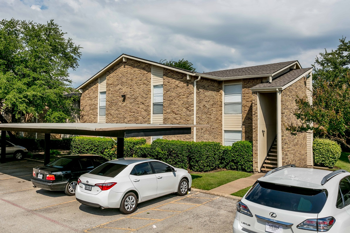 Exterior at Listing #137242