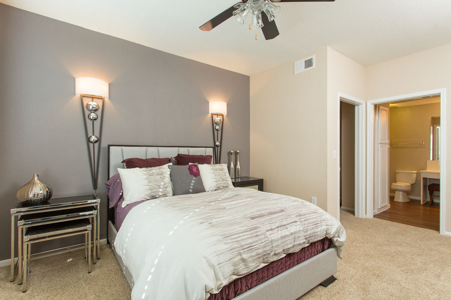 Bedroom at Listing #140708
