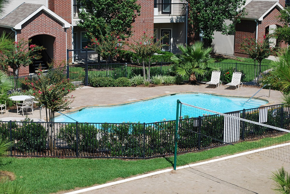 Pool at Listing #144489