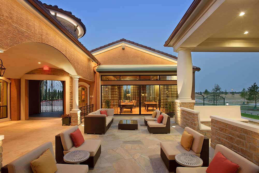 Lounge at Listing #151567
