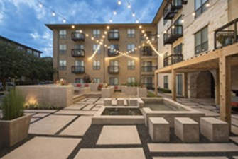 Courtyard at Listing #144781