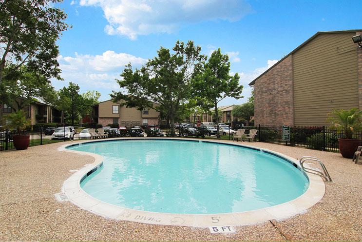 Pool at Listing #138287