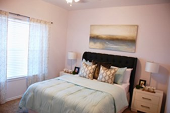 Bedroom at Listing #141362