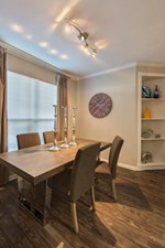 Dining at Listing #138910