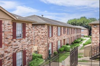 Exterior at Listing #138418