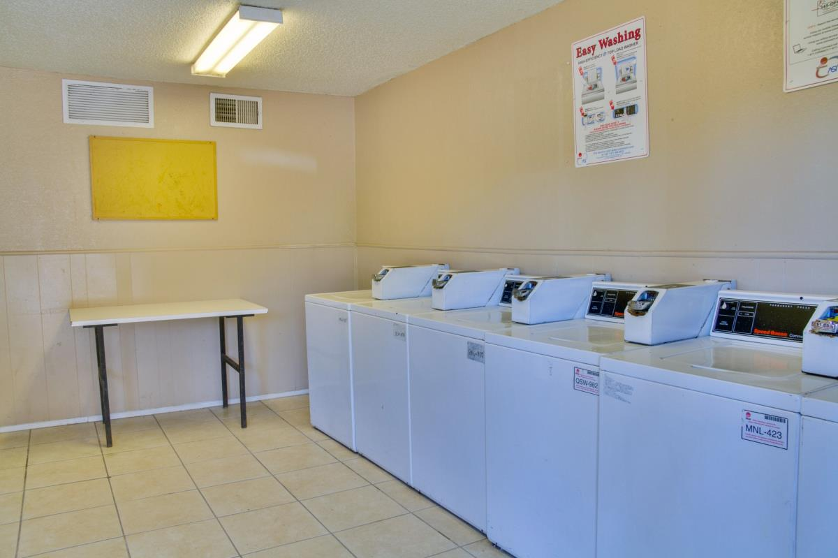 Washer/Dryer at Listing #136263