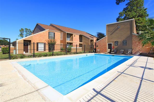 Pool at Listing #138695