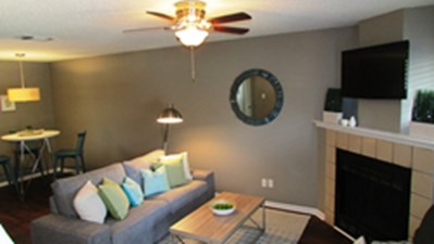 Living Area at Listing #141229