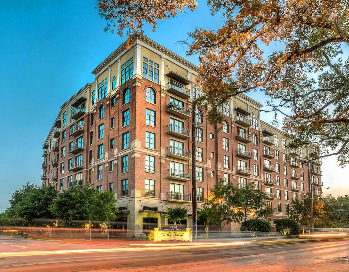 Belle Meade at River Oaks Houston - $2625+ for 1 & 2 Beds
