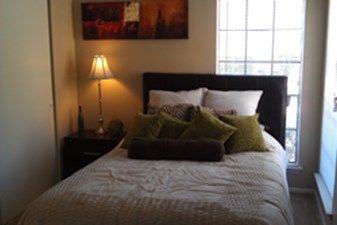 Bedroom at Listing #141271