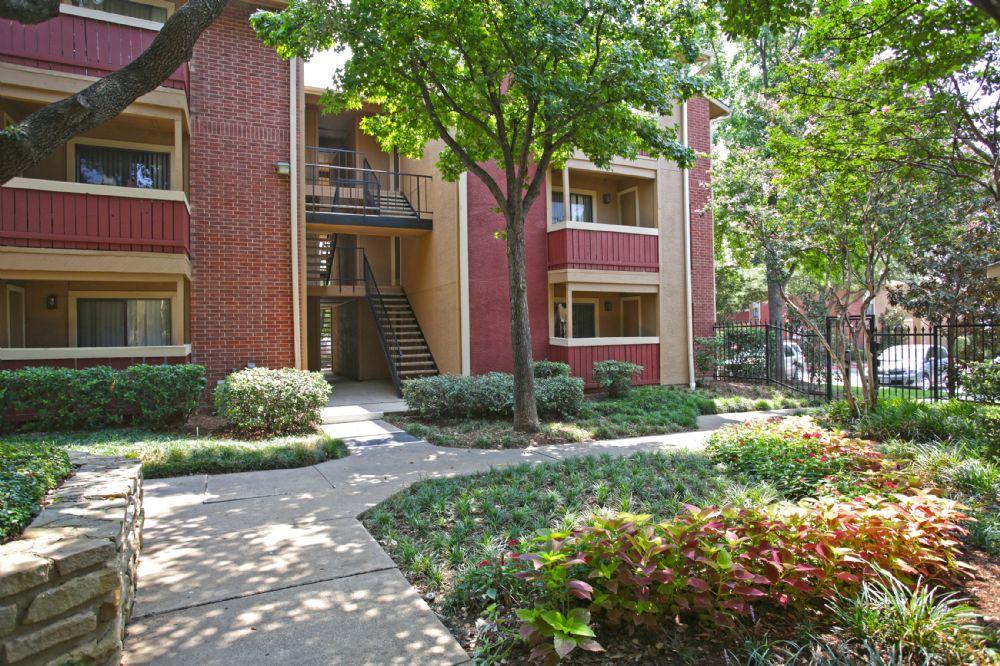 Summit Ridge Apartments Arlington TX