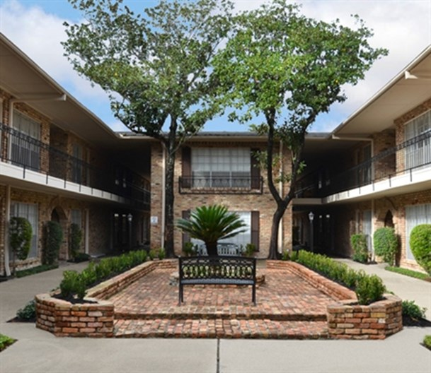 Meyer Park Apartments: Villages At Meyerland Houston