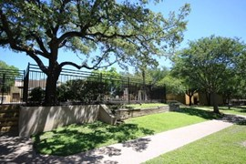 Villas of Castle Hills Apartments San Antonio TX