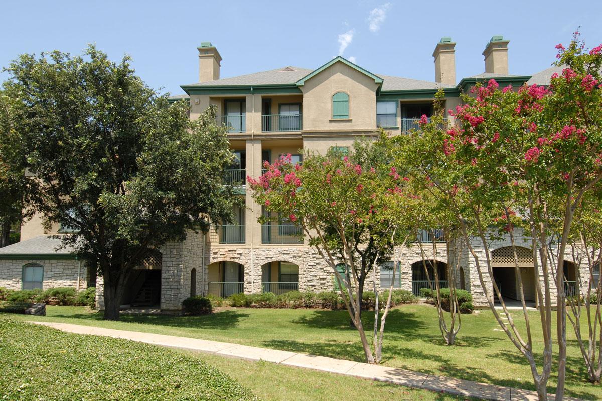 Villas at Beaver Creek Apartments Irving TX