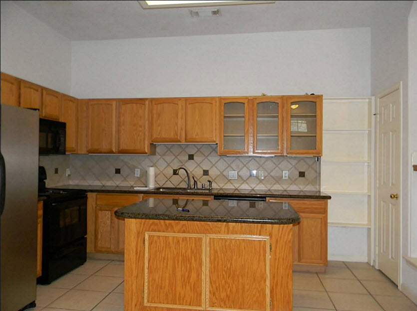Kitchen at Listing #138711